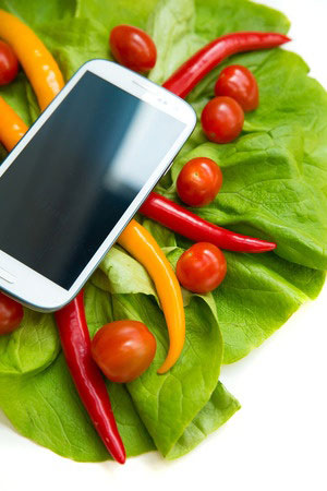 phone-and-food