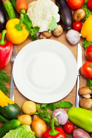 clean-plate-with-veggies-around-it