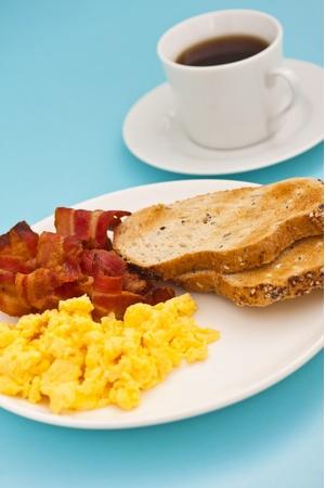 plate-of-breakfast-food